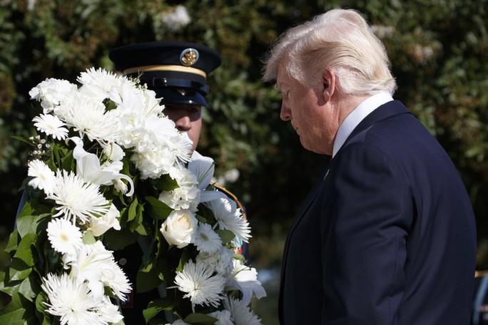 Tổng thống Donald Trump trong lễ kỷ niệm ngày 11-9 tại Lầu Năm Góc. Ảnh: AP