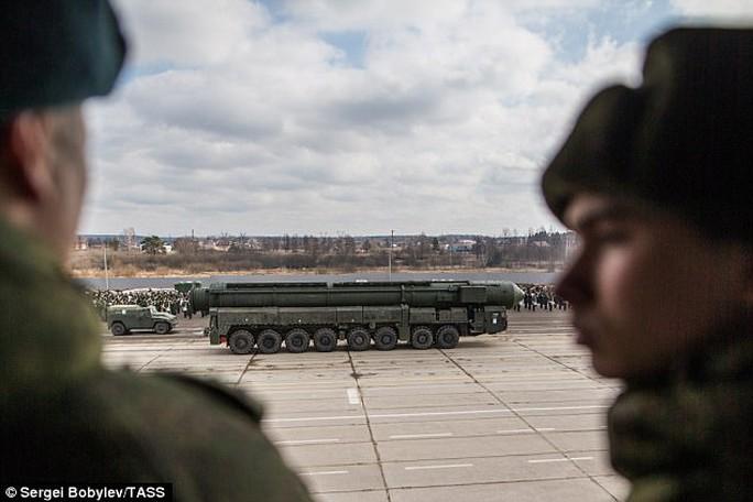 Nga phóng ICBM đa đầu đạn hạt nhân - Ảnh 2.