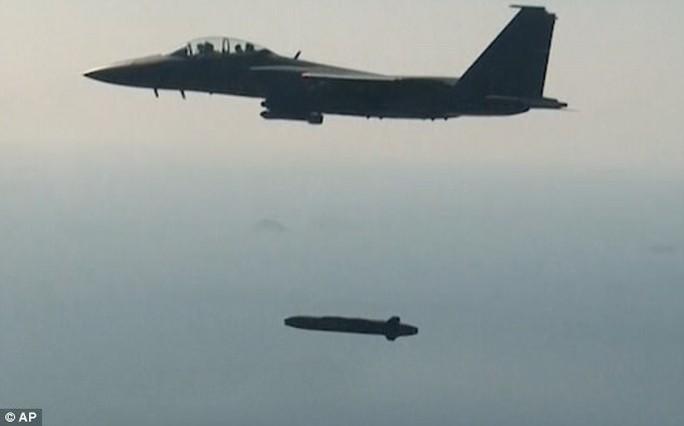 Phản ứng Triều Tiên thử Hwasong-12, Hàn Quốc bắn tên lửa Hyunmoo-II - Ảnh 2.