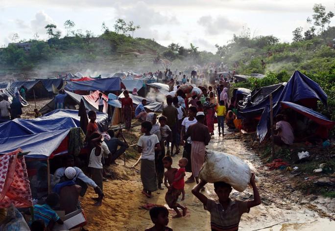 Hình ảnh chạm vào tim trong cuộc khủng hoảng Rohingya - Ảnh 3.