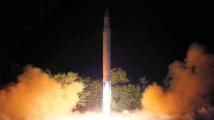 Mỹ không thể bắn hạ tên lửa Triều Tiên? - Ảnh 1.