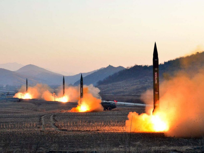 Triều Tiên: Có tên lửa bao trọn Mỹ rồi mới đàm phán - Ảnh 1.