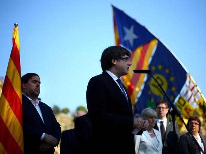 Lãnh đạo Catalonia lên tiếng phút chót - Ảnh 1.