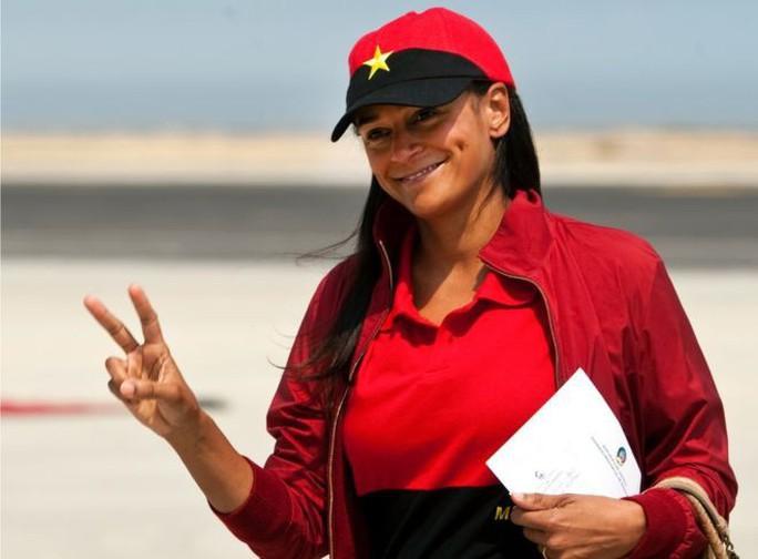 Tổng thống Angola sa thải người phụ nữ giàu nhất châu Phi - Ảnh 1.