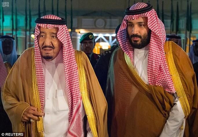Thái tử Ả Rập Saudi rộng đường đến ngai vàng? - Ảnh 1.
