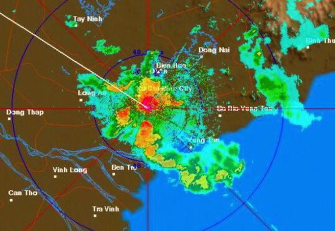 Bão số 14 gây mưa to gió lớn ở TP HCM - Ảnh 12.