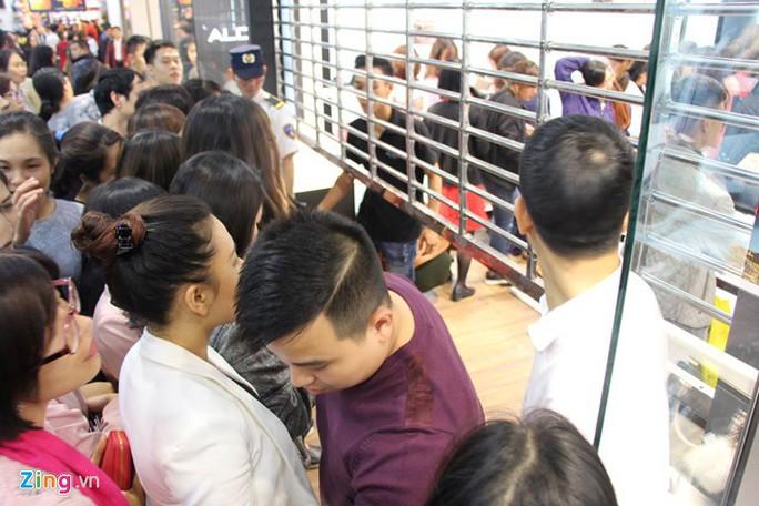 Người Việt có thể mua hàng giảm giá Black Friday ở đâu? - Ảnh 2.