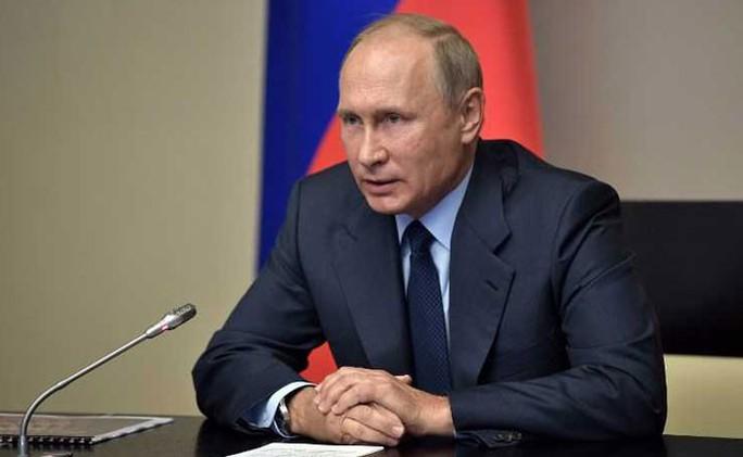 Tổng thống Putin cho phép coi báo chí nước ngoài là tình báo - Ảnh 1.