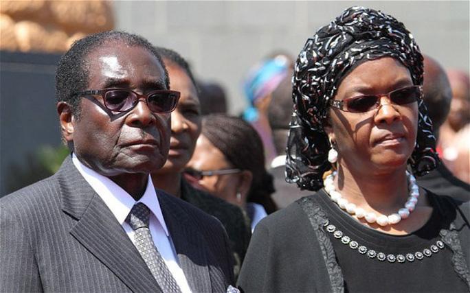 Tổng thống Zimbabwe về hưu nhận 10 triệu USD - Ảnh 1.