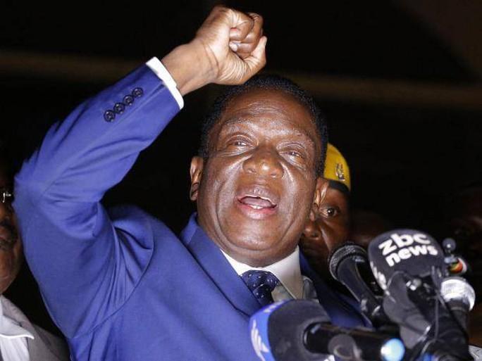 Tổng thống Zimbabwe về hưu nhận 10 triệu USD - Ảnh 2.