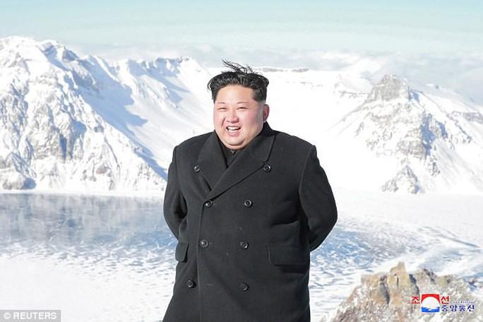 Ông Kim Jong-un lại thăm núi thiêng, Triều Tiên trảm Tướng Hwang? - Ảnh 4.