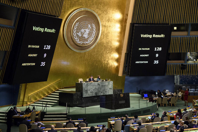 Hơn 120 quốc gia bất chấp đe dọa cắt viện trợ của ông Donald Trump - Ảnh 1.