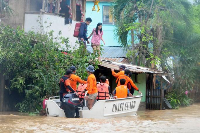 Tiến về Việt Nam, bão Tembin làm 133 người chết ở Philippines - Ảnh 5.