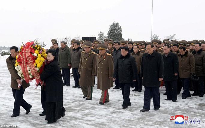 Tại sao Triều Tiên tổ chức lễ tưởng niệm lớn cho bà Kim Jong-suk? - Ảnh 8.