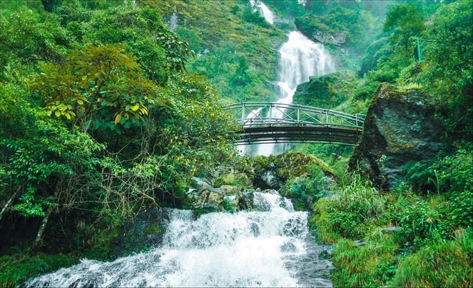 Những thác nước hùng vĩ đến khó tin ở Việt Nam - Ảnh 14.
