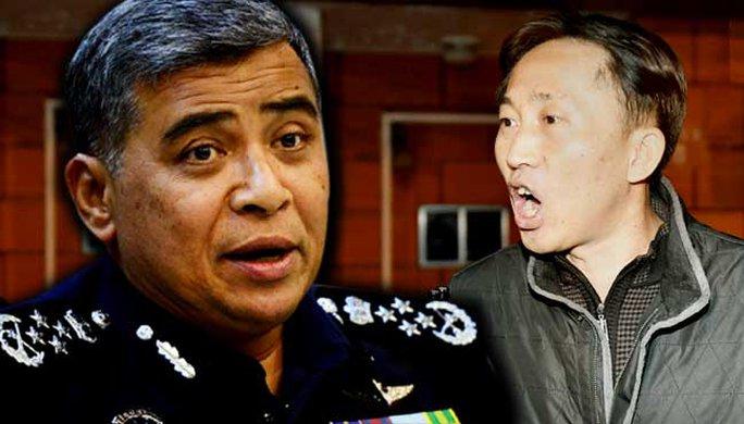 Tổng thanh tra cảnh sát Malaysia Khalid Abu Bakar (trái) và ông Ri Jong-chol. Ảnh: FREE MALAYSIA TODAY