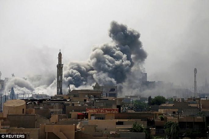 Lính bắn tỉa hạ gục tay súng IS từ khoảng cách 2,4 km - Ảnh 3.