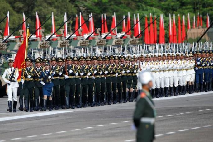 Duyệt binh lớn chưa từng có ở Hồng Kông trong 20 năm - Ảnh 3.