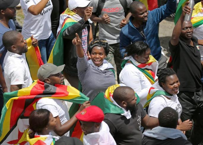 """Tổng thống Zimbabwe """"sẵn sàng chết vì điều đúng đắn"""" - Ảnh 3."""
