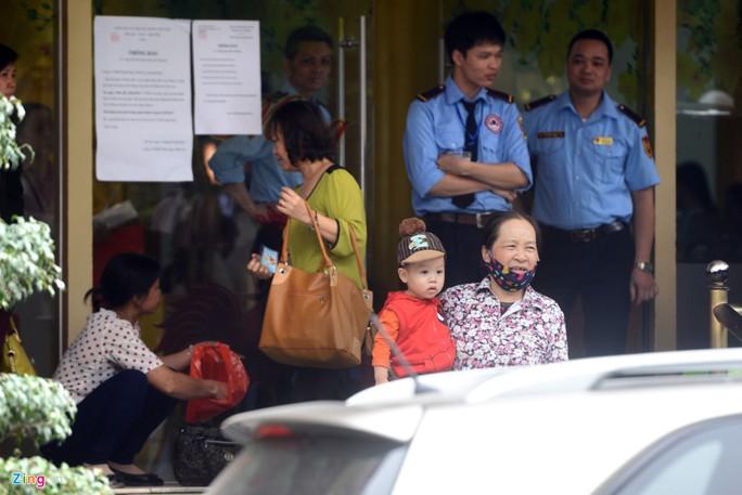 Theo ghi nhận của Zing.vn trong sáng 25-4, hoạt động của Thiên Ngọc Minh Uy tại trụ sở chính Hà Nội vẫn diễn ra bình thường.