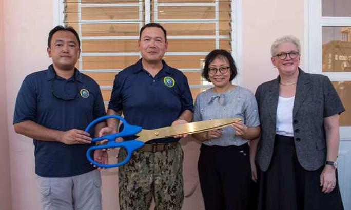 Khánh thành Trường Mẫu giáo Hòa Liên - Ảnh: Hải quân Mỹ
