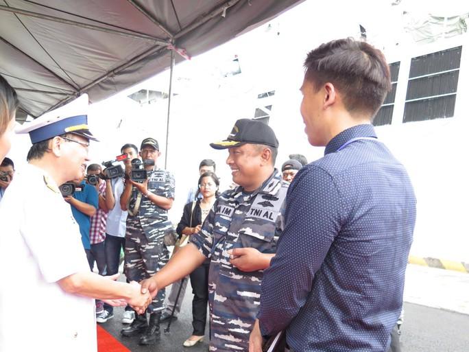 TP HCM đón cùng lúc 2 tàu quân sự Indonesia - Ảnh 4.