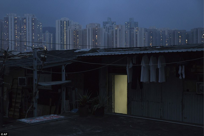 """Dễ sợ """"nhà hòm"""" ở Hồng Kông - Ảnh 5."""