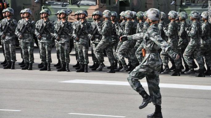 Duyệt binh lớn chưa từng có ở Hồng Kông trong 20 năm - Ảnh 5.