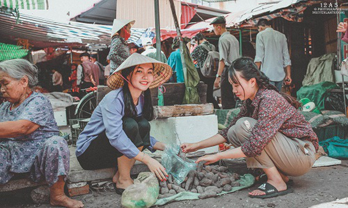 Phiên chợ quê có 1 không 2 ở Quảng Bình - Ảnh 2.