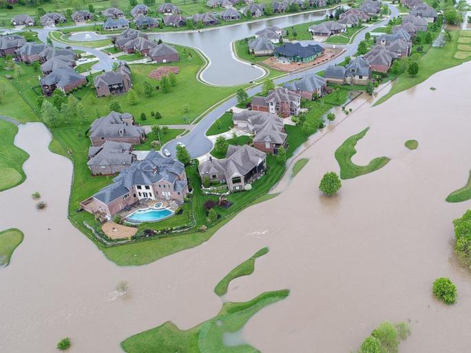 Hình ảnh lũ lụt tại khu vực Ozark ở bang Missouri. Ảnh: ABC News