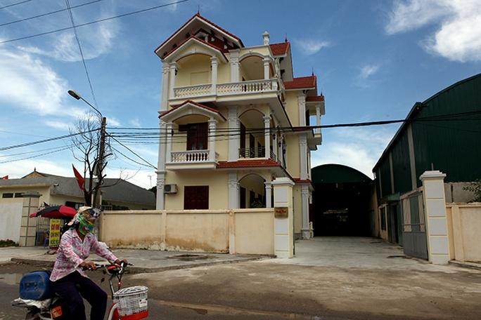 Choáng với ngôi làng hơn 100 tỉ phú ở Thái Bình - Ảnh 2.