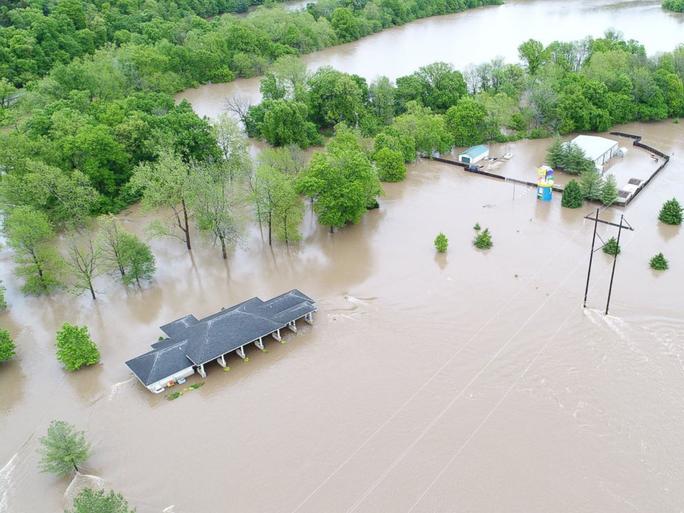 Khu vực Ozark bị lũ lụt. Ảnh: ABC News