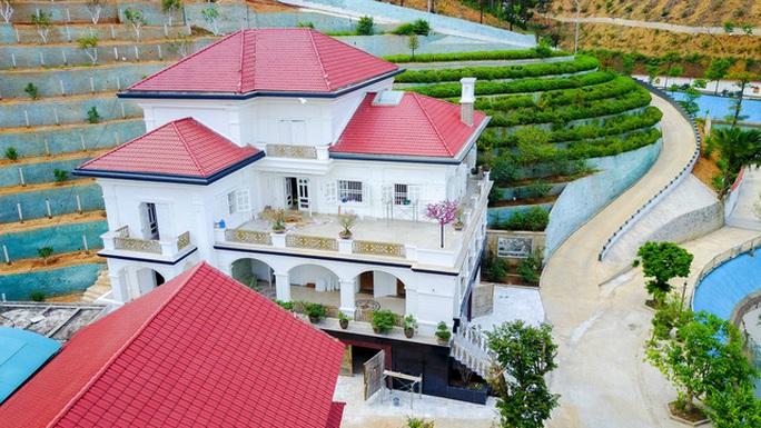 """Ngắm khu dinh thự """"siêu khủng"""" của vợ Giám đốc Sở ở Yên Bái - Ảnh 9."""