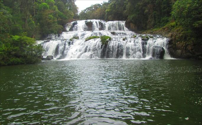 Những thác nước hùng vĩ đến khó tin ở Việt Nam - Ảnh 9.
