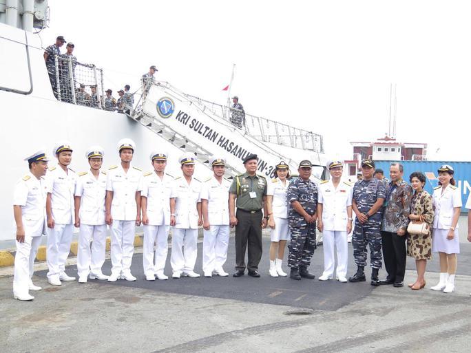 TP HCM đón cùng lúc 2 tàu quân sự Indonesia - Ảnh 11.