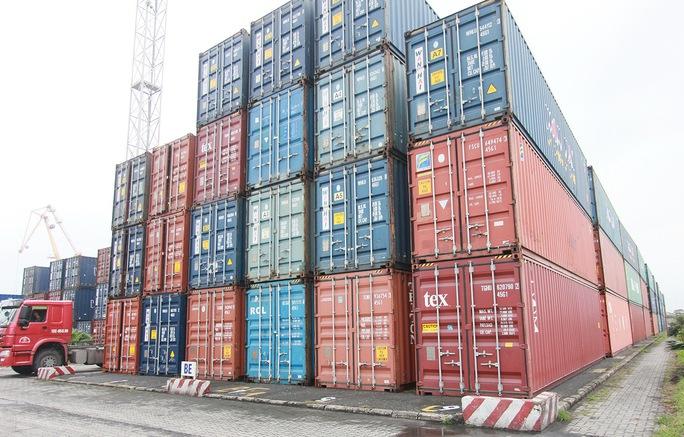 Hàng ngàn container tồn đọng tại Cảng Hải Phòng. Ảnh: Trọng Đức