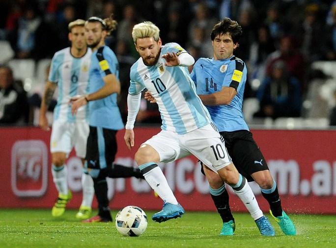 Messi quyết đấu Suarez - Ảnh 1.