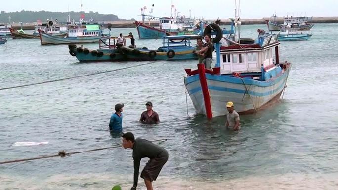 Ninh Thuận – Bình Thuận khẩn trương ứng phó với bão số 14 - Ảnh 3.