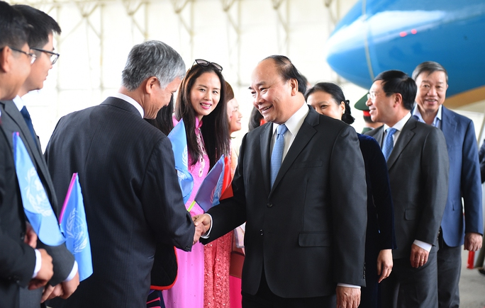 Thủ tướng Nguyễn Xuân Phúc đến New York - Ảnh 1.