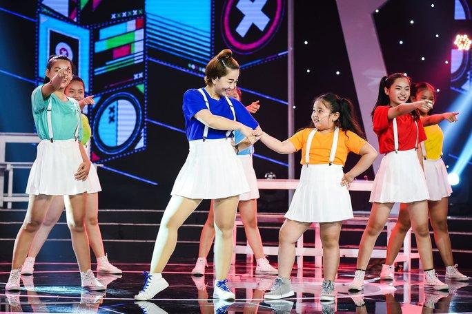 Thanh Bạch nghẹn ngào vì cô bé 11 tuổi Ngọc Tâm - Ảnh 4.