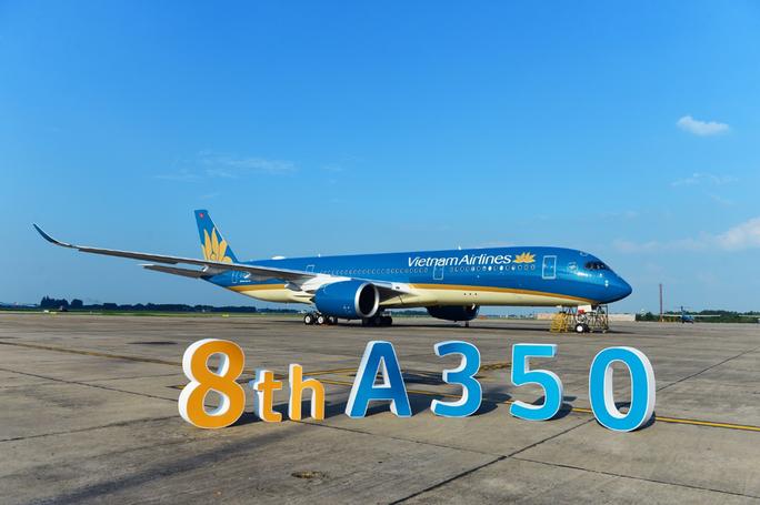Cận cảnh chiếc siêu máy bay A350-900 thứ 8 của Vietnam Airlines - Ảnh 1.