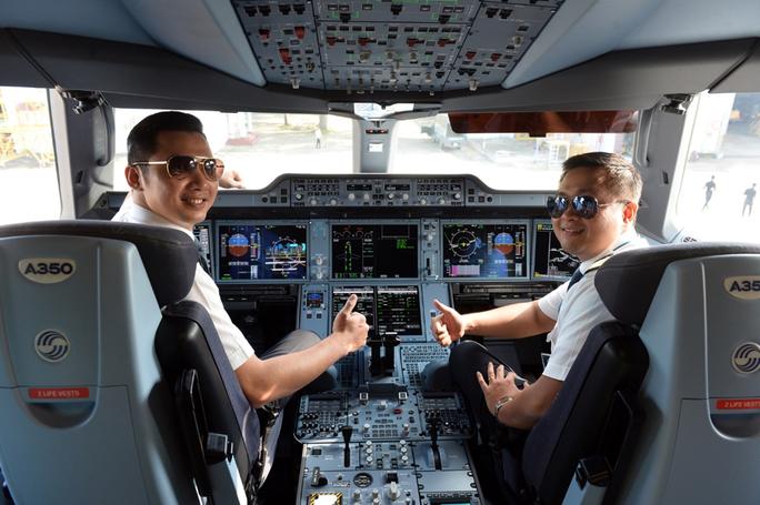 Cận cảnh chiếc siêu máy bay A350-900 thứ 8 của Vietnam Airlines - Ảnh 3.