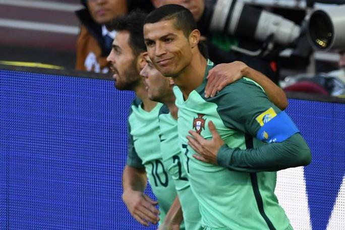 Nụ hôn đẹp của Ronaldo tại Confederations Cup 2017 - Ảnh 5.