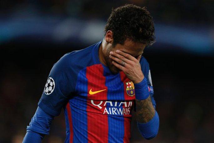 Neymar đã khóc khi tiếng còi mãn trận vang lên