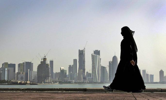 Các nước Ả Rập quyết cho Qatar thấm đòn - Ảnh 1.