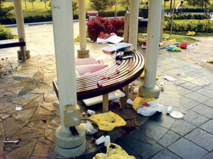 Nhiều nước, vùng lãnh thổ trên thế giới đang ngày càng nghiêm khắc với hành vi xả rác nơi công cộng Ảnh: TODAY