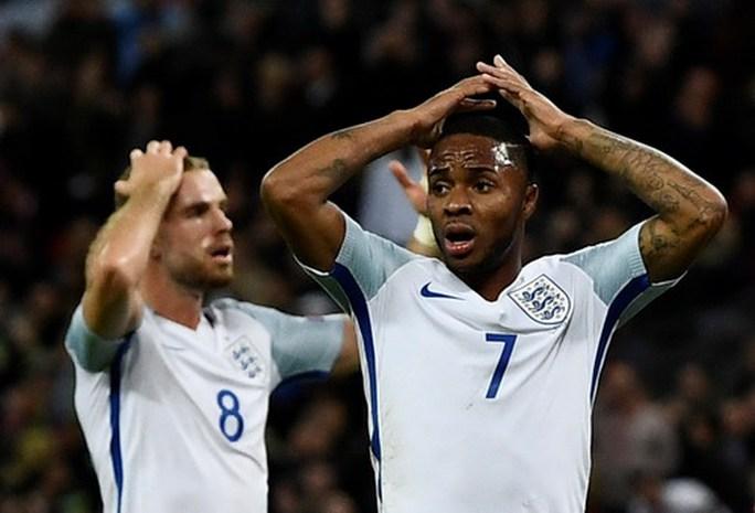 Hậu vệ tỏa sáng phút 90+4, tuyển Anh có vé dự World Cup - Ảnh 1.