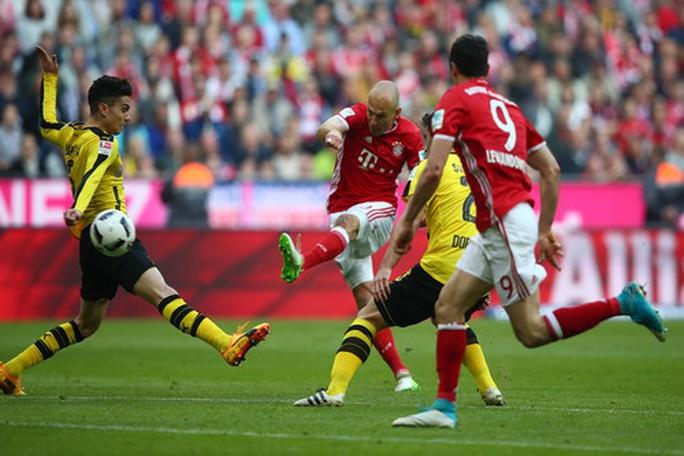 Robben ghi bàn thắng thứ ba cho Bayern Munich