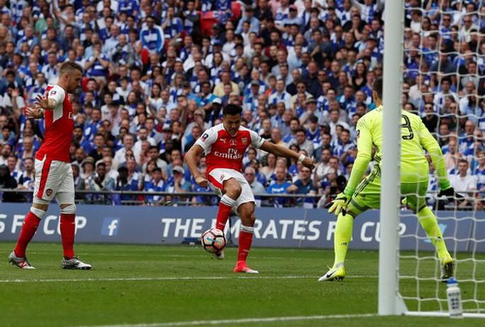 Arsenal vô địch FA Cup: Chiến thắng của lòng quả cảm - Ảnh 3.
