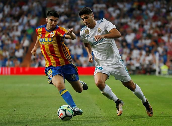 Sao trẻ Asensio tỏa sáng, Real Madrid thoát hiểm ngày nhận cúp  - Ảnh 3.